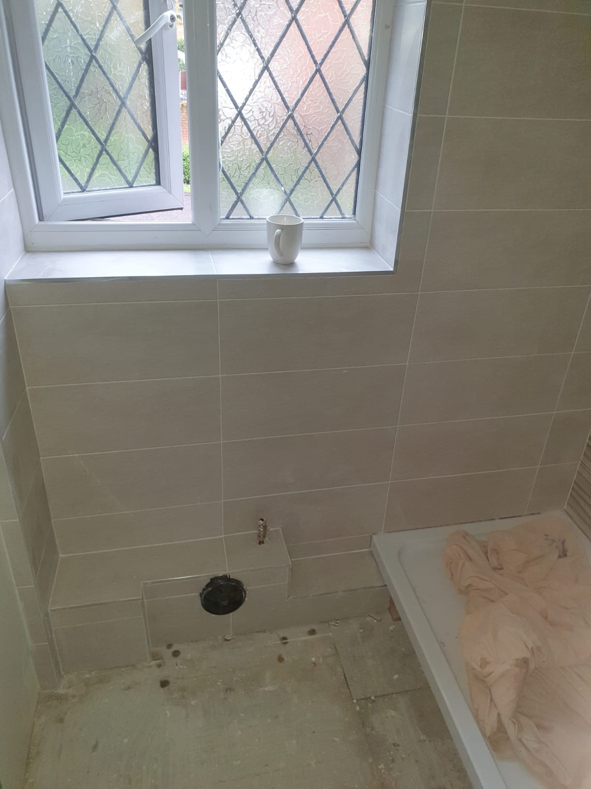 Tiling Around Waste Pipe Homematas, How To Tile Around A Waste Pipe Look Like